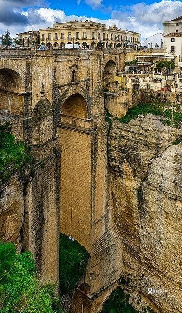 Detalles de Andalucía: Puente Nuevo de Ronda (Málaga) / Details of Andalucía: New Bridge in Ronda (Málaga)