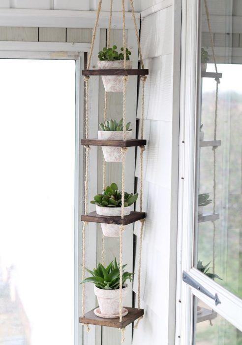 Необычные подвесные полки для растений, который значительно сэкономят пространство.