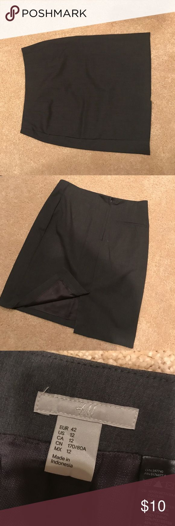 H&M Gray Pencil Skirt Knee Length Gray Pencil Skirt from H&M Size 12. Center Zip up in back and small slit at hem line. Great for work!! H&M Skirts Pencil