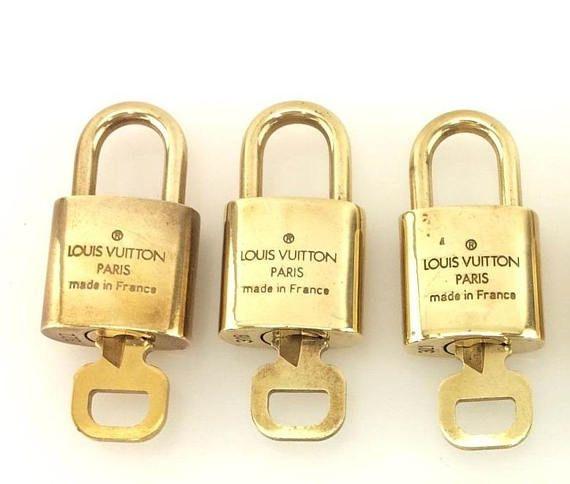 2021ad38403 3 Authentic Louis Vuitton lock LV lucchetto Lv bag Original ...