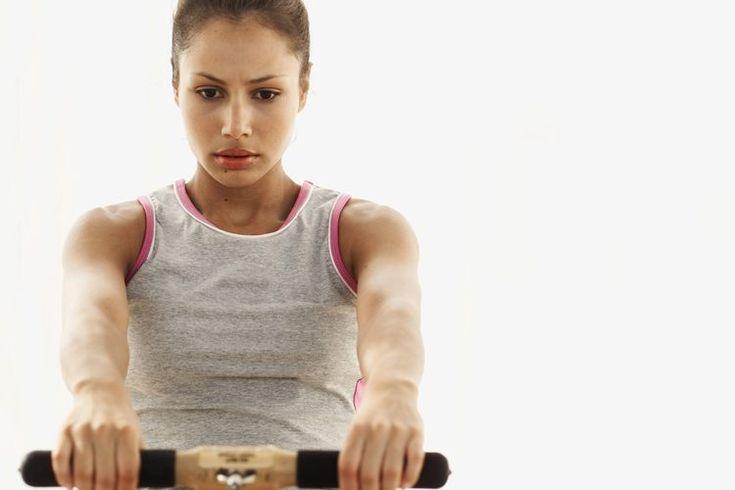 Los mejores tiempos de entrenamientos de Crossfit. Los entrenamientos de CrossFit son movimientos constantemente variados y funcionales ejecutados a una alta intensidad. Este programa de entrenamiento ha sido adoptado por atletas de élite, personal militar y personal de emergencias de todo el ...
