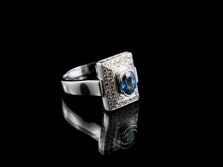 Blue sapphire. #gioielli #diamanti #rings
