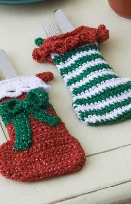 crochet some stockings for the silverware on your Christmas table