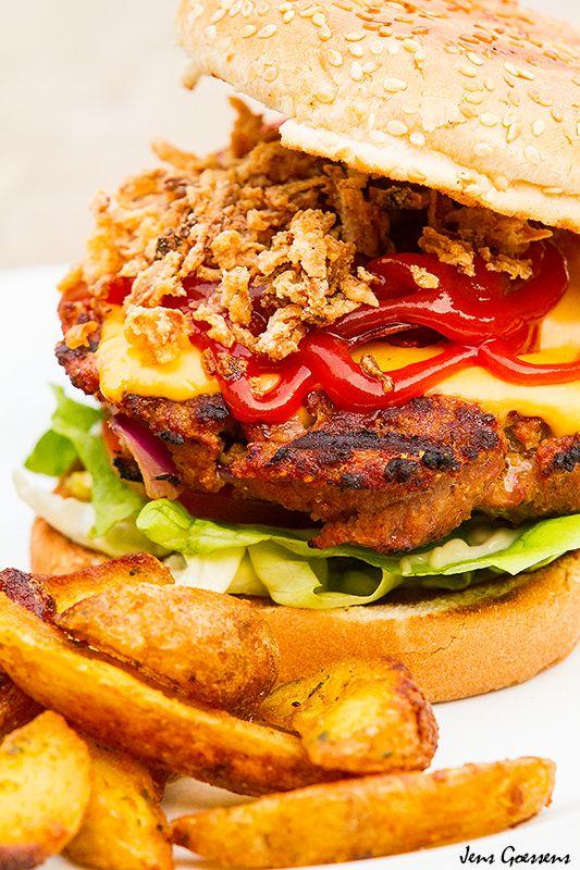 Bacon-Cheddar-Onion BBQ Hamburger