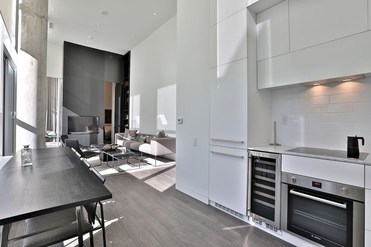 Congratulations to our Sales Rep. Rosanne Agasee for being featured on TorontoLife.comfor 'Condo of the Week' http://bit.ly/2yCMQBP