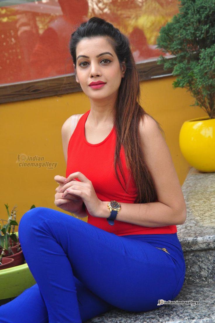 Diksha Panth - Diksha Panth Photos, Diksha Panth Stills