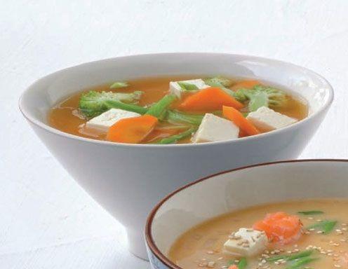Miso-Suppe mit Tofu und Gemüse