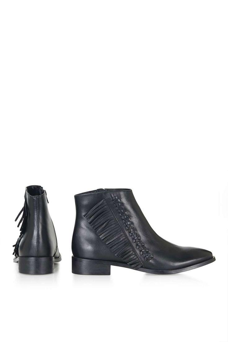 KIT Flat Fringe Leather Boots