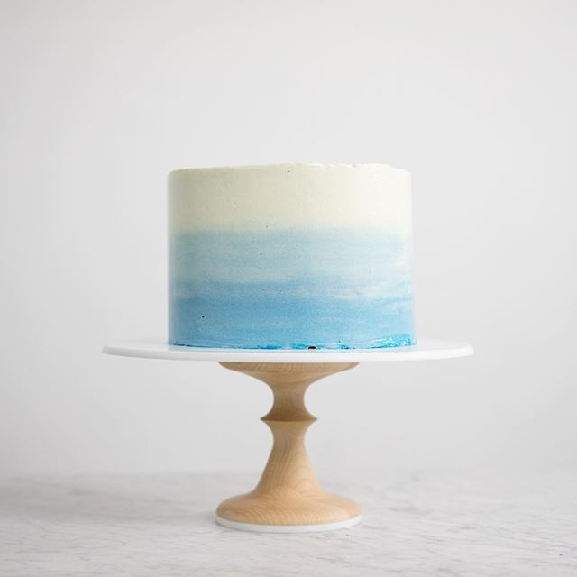 Happy Saturday! Made an ombré watercolour cake yesterday. So fun! Sitting pretty…