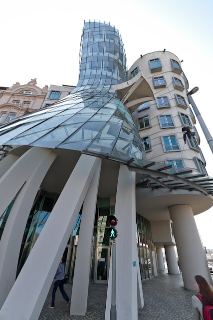 Dancing House, Prague, Architects Vlado Milunić and Frank Gehry