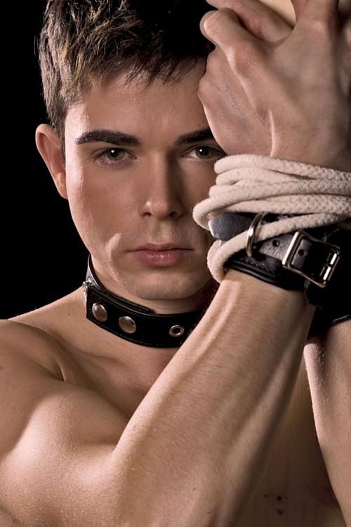 Gay Fetish Porn With Kinky Nude Male