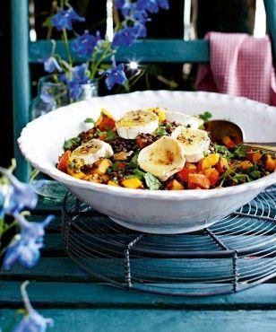 Kürbis-Linsen-Salat mit Ziegenkäse und Walnüssen Rezept…