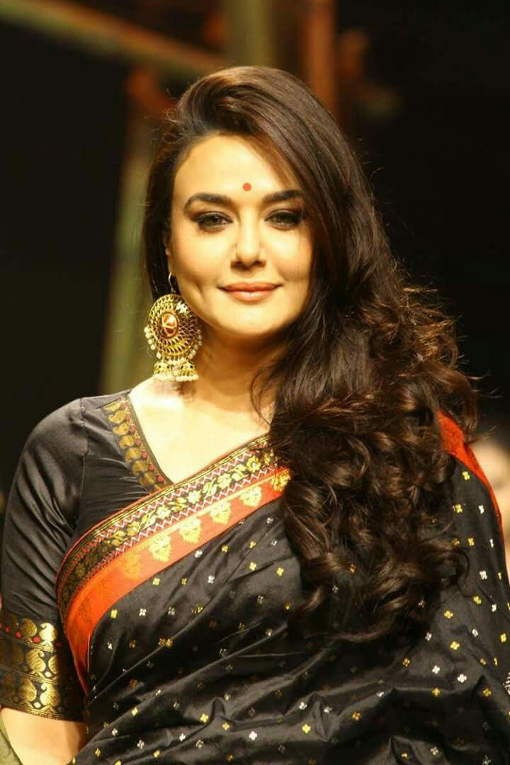 So Beautiful Real Preity Zinta <3 #ILoveYouMyBeautifalMom