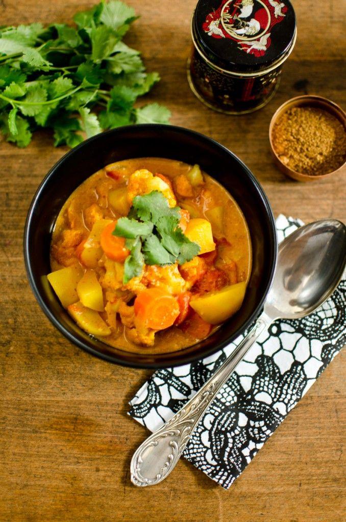 Rezept für schnelles, veganes Gemüse Curry mit Kokosmilch