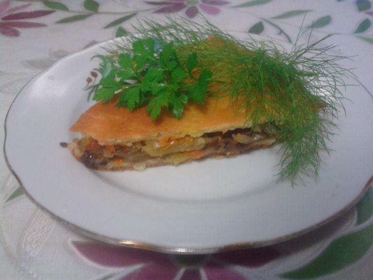Закрытый грибно-овощной пирог
