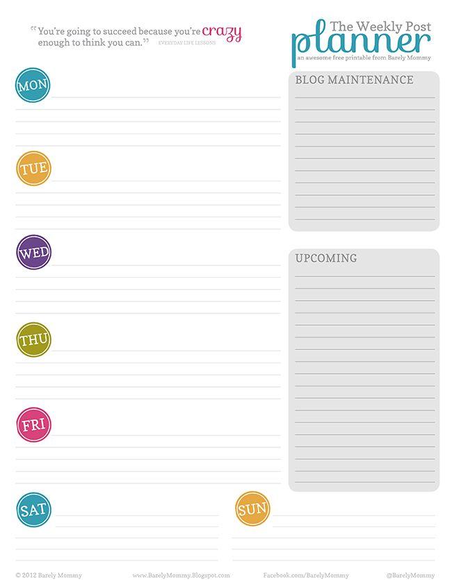 """Há algumas semana eu publiquei uma foto da minha área de trabalho (toda bagunçada) e recebi algumas mensagens e até e-mails de pessoas querendo saber de onde era o """"calendário"""" que tem na minha parede. Na verdade, aquele não é o calendário, e sim o planner mensal! Tenho calendário, mas ele fica do outro lado …"""
