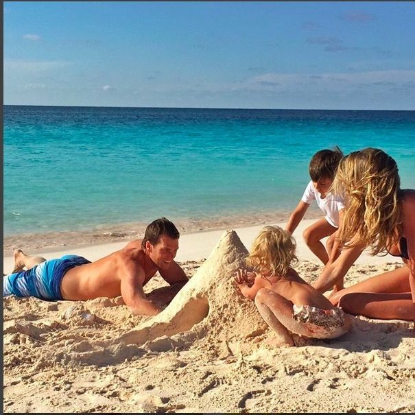 """Gisele Bündchentook to Instagram to share a sweet photo of her family to honor her husband Tom Brady on Father's Day. In the photo, the couple are seen building a sand castle with their two children, six-year-old son Benjamin and three-year-old daughter Vivian.  """"Happy Father's"""