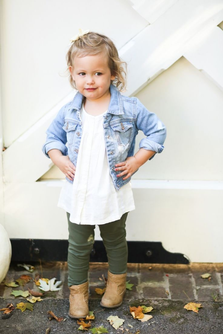 Reese wearing Old Navy Toddler for Fall Outfit @Old Navy on FashionableHostess4