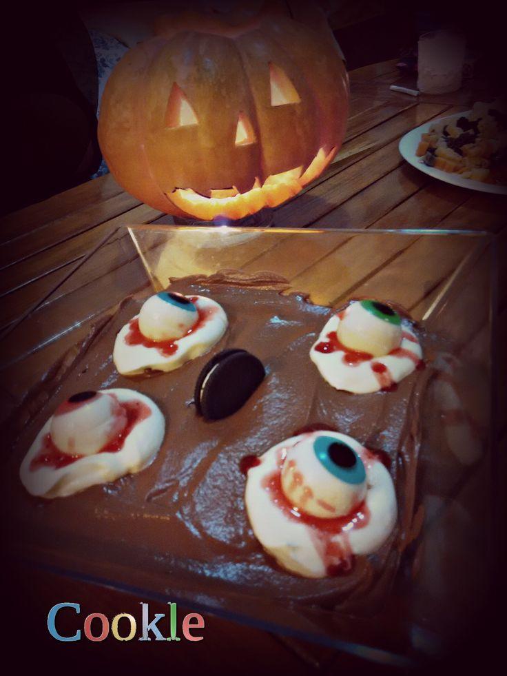 It is Halloween Week @cookle. Μους σοκολάτας με βάση από σπασμένα μπισκότα   Cookle