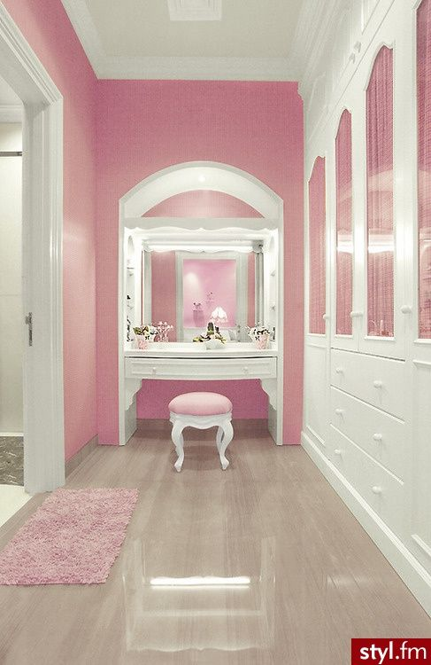 Pretty concept to have the vanity table in the closet but perhaps in another colour.