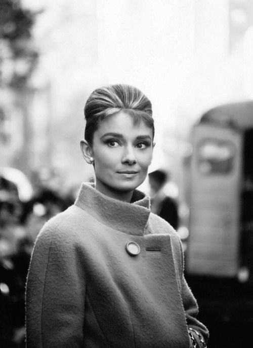 audrey hepburn - such style and grace. Sooo stunning. I want to be Audrey when I grow up!!!!! Lol.