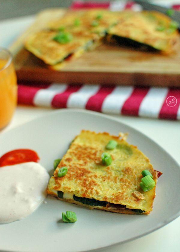 quesadilla z jajkiem i szpinakiem
