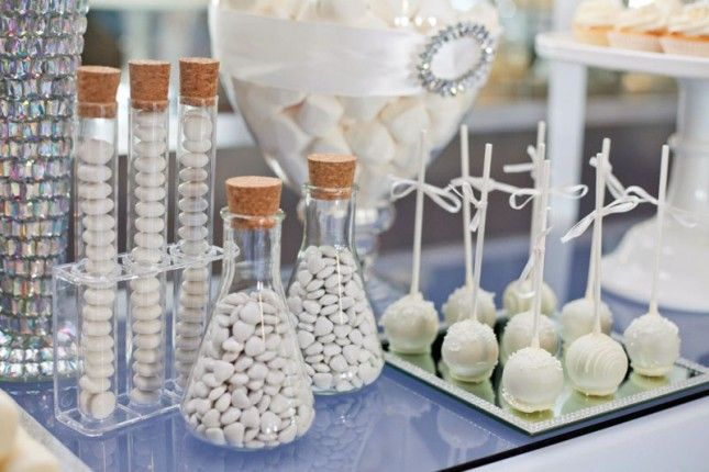 Ever thrown a white party? Love this all white dessert theme.