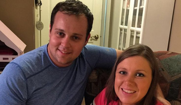 The Duggar family in-fighting has begun... - VIDEO - http://holesinthefoam.us/family-members-turn-on-josh-dugger-i-hope-he-gets-broken-in-rehab-video/
