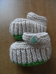 Ravelry: EMorrigan's Teeny Tiny Mary Jane Booties