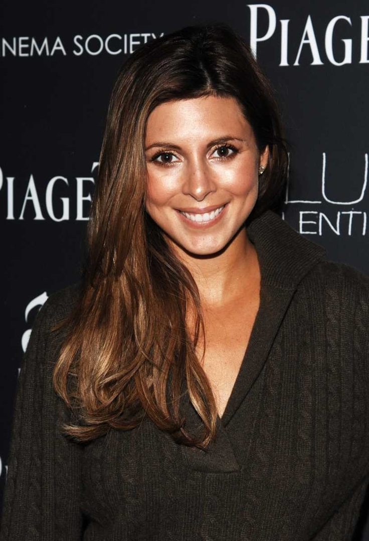 Actress Jamie-Lynn Sigler, best known for her role as Meadow Soprano on The Sopranos, grew up in Jericho and attended Jericho High School.
