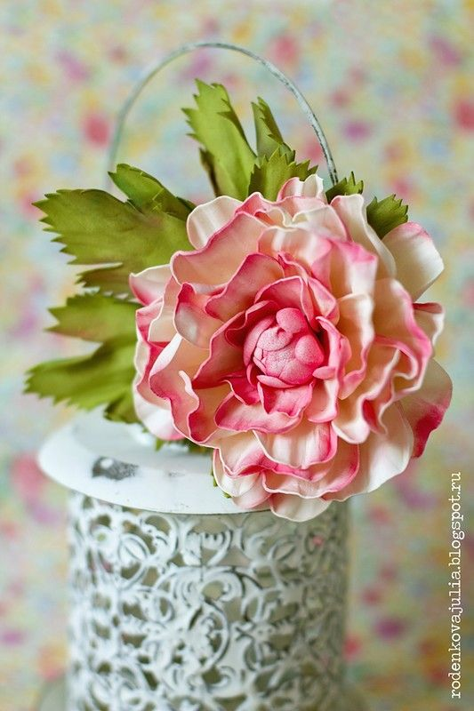 Роденкова Юлия: Цветок-брошка из фоамирана и немного о лете