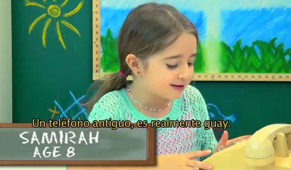 #EntérateCali: Reacción de un grupo de niños frente a un teléfono antiguo de disco..