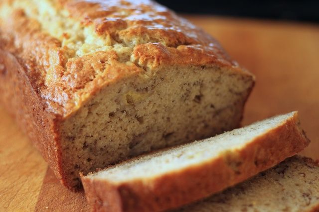 Yummy, the best banana Bread Ever, and come with only 6 weight watchers smart points. as Oprah said now you can eat bread and lose weight at the same time 😀 Ingredients 2 cups flour 3/4 cup sugar 3 tsp baking powder 1/2 tsp baking soda 1/2 tsp salt 1 egg 3/4 cup milk 1/4 …