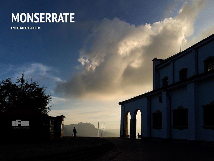 EL caer de la tarde en el Cerro Monserrat - Bogotá - Colombia. Por Fredy Castañeda - iPhone 5s