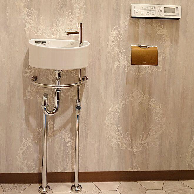 バス トイレ 手洗い器 トイレ Lixil手洗い器 トイレの壁紙のインテリア実例 2019 03 30 19 38 07 Roomclip ルームクリップ 2020 手洗い器 トイレ 壁紙 インテリア