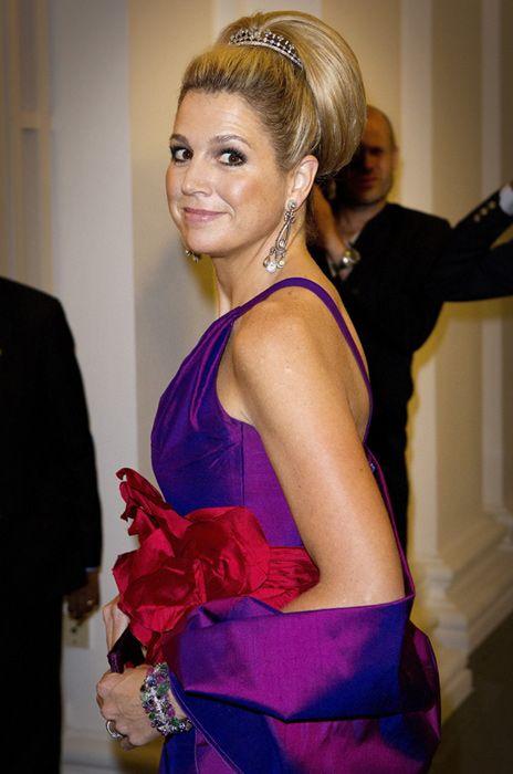 El colorido de Máxima de Holanda inunda Singapur #realeza #royals #princess #netherlands