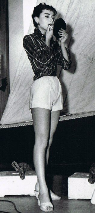 Audrey Hepburn- 5'7- 110 lbs- BMI 17.2- Underweight **There is a lot of controversy over Audrey's weight, she is quoted saying she never went over 103 except for when she was pregnant, but the most common guess for her weight it 110.**