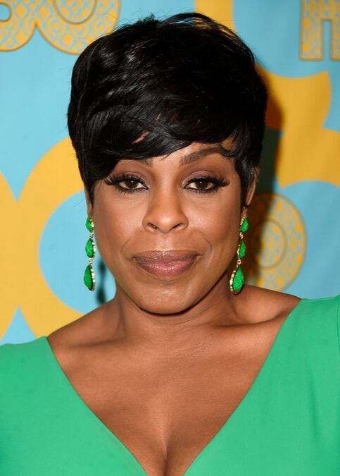 Niecy Nash Short Hairstyle - Cute Haircuts for Black Women