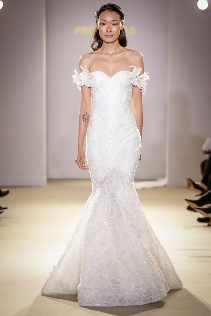Atelier Pronovias 2019 Wedding Dress Collection foto