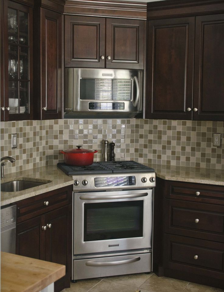 Corner Stove Kitchen: The Corner Stove Kitchen is a perfect example on narrow kitchen designs for kitchens, small kitchen ideas, narrow kitchen spaces, narrow u-shaped kitchen designs, narrow kitchen great room designs, narrow kitchen remodel, galley kitchen ideas, narrow kitchen plans,