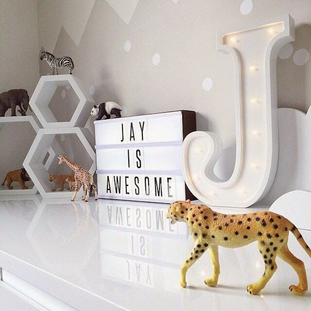 MARQUEE SIGN IN KIDS' ROOM