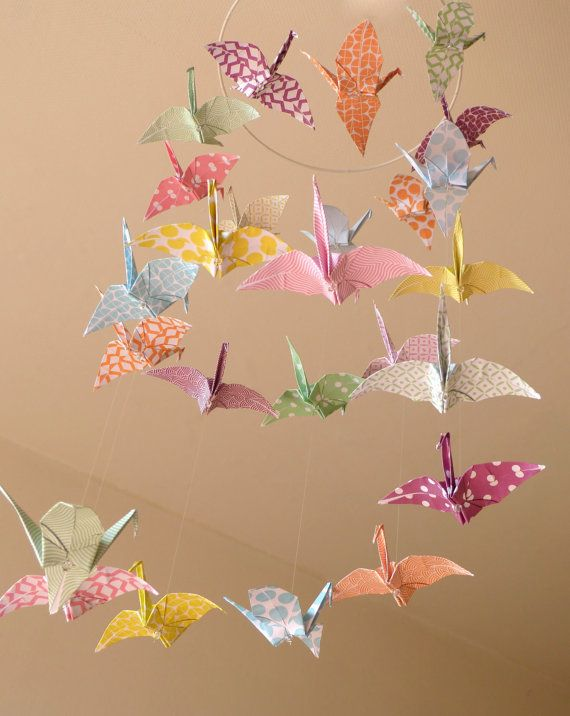 https://www.etsy.com/fr/listing/281093700/mobile-bebe-origami-envolee-de-grues?ref=shop_home_active_7