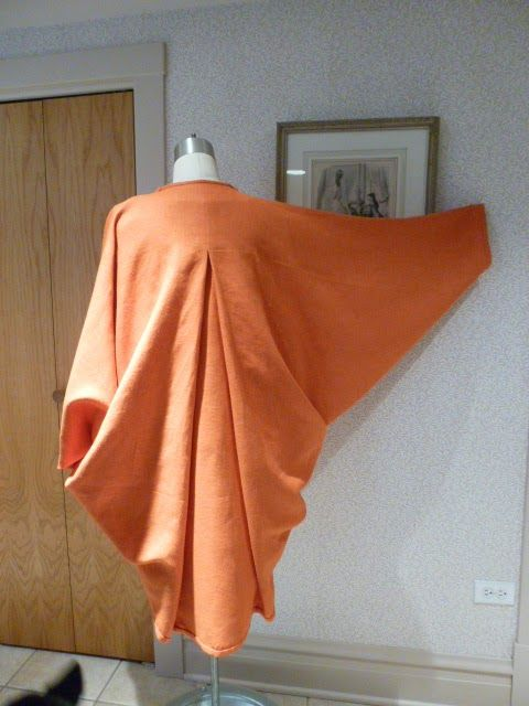 Here is the Patrick Kelly one seam rectangle coat, made shorter and with the pleat inverted. WOW, I love this. and it is so easy peasy to make. (back view)