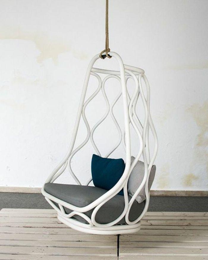 25 best ideas about chaise suspendue on pinterest - Fauteuil suspendu interieur ...