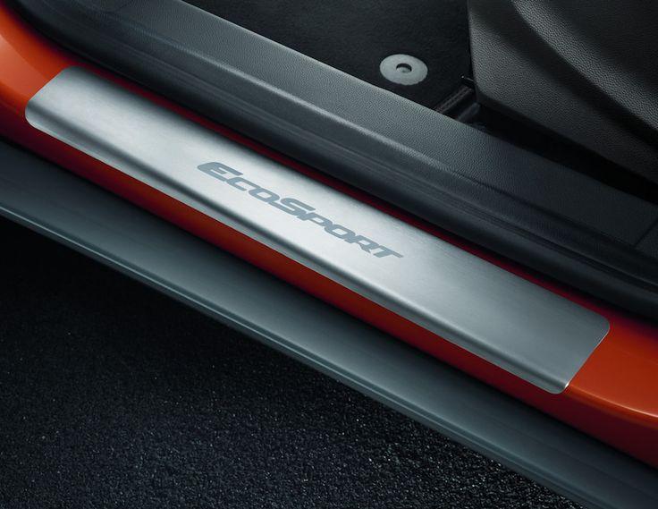 Ford Ecosport - Soglia battitacco anteriore con logo EcoSport.