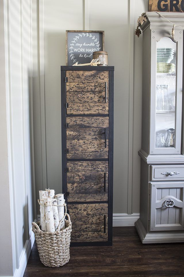 10 Small Space Furniture DIY Solutions | eHow