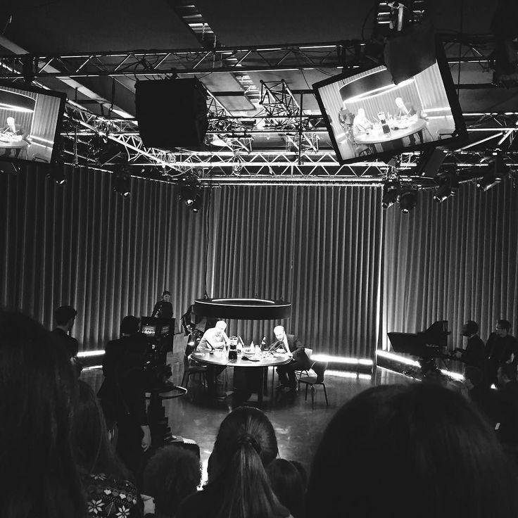 """Sonntags höre ich immer den """"Sanft & Sorgfältig"""" Podcast mit Jan Böhmermann und Oli Schulz. Heute war dann etwas anders - der Mann und ich waren nämlich bei der ersten Aufzeichnung von #sundb dabei. Qualitätsfernsehen und so!  by daryamova"""
