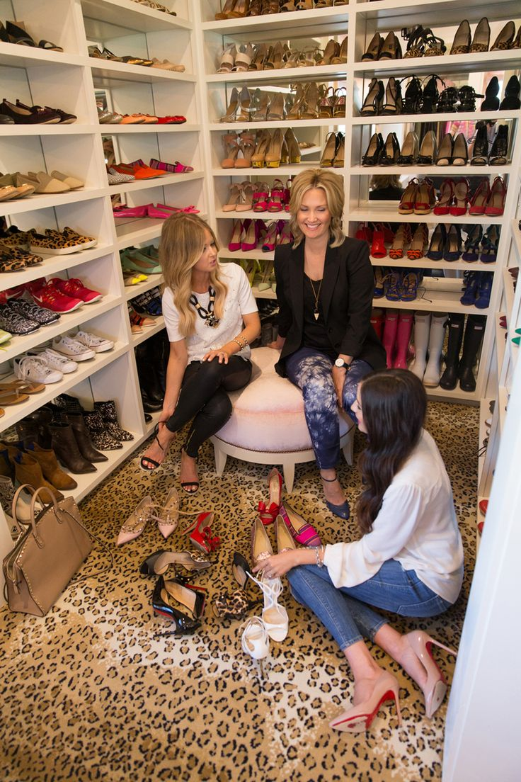 Pink peonies on alice lane the reveal shoe closet pink for Rachel parcell closet