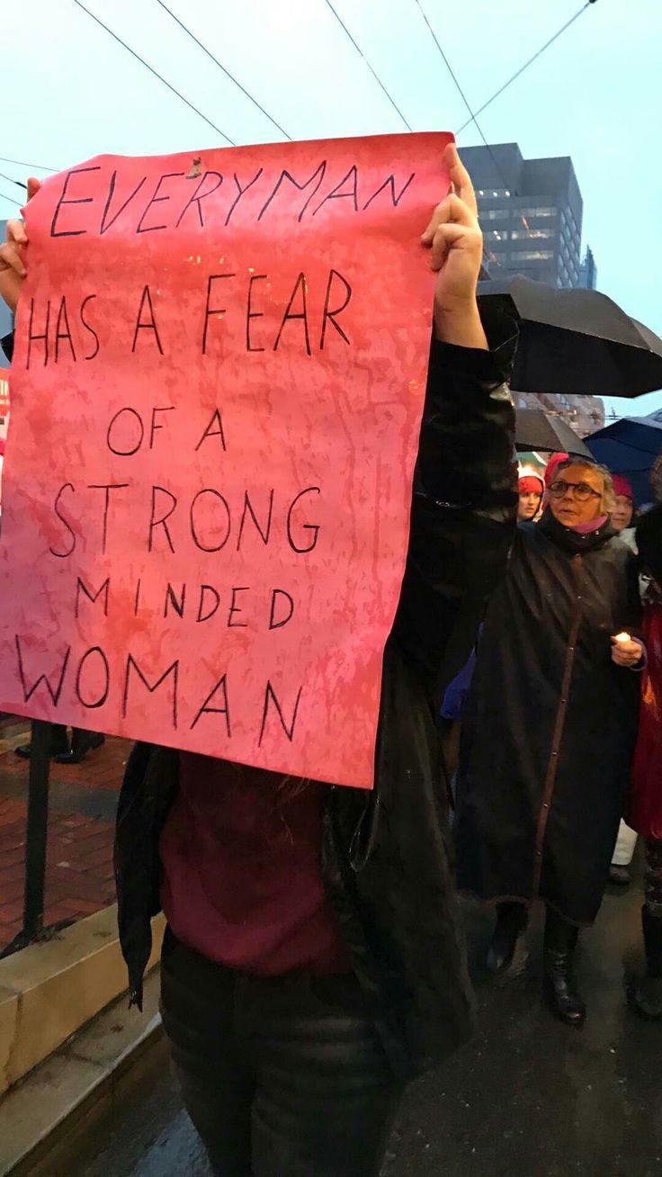 Kehlani - Runnin lyrics at the women's march - January 2017