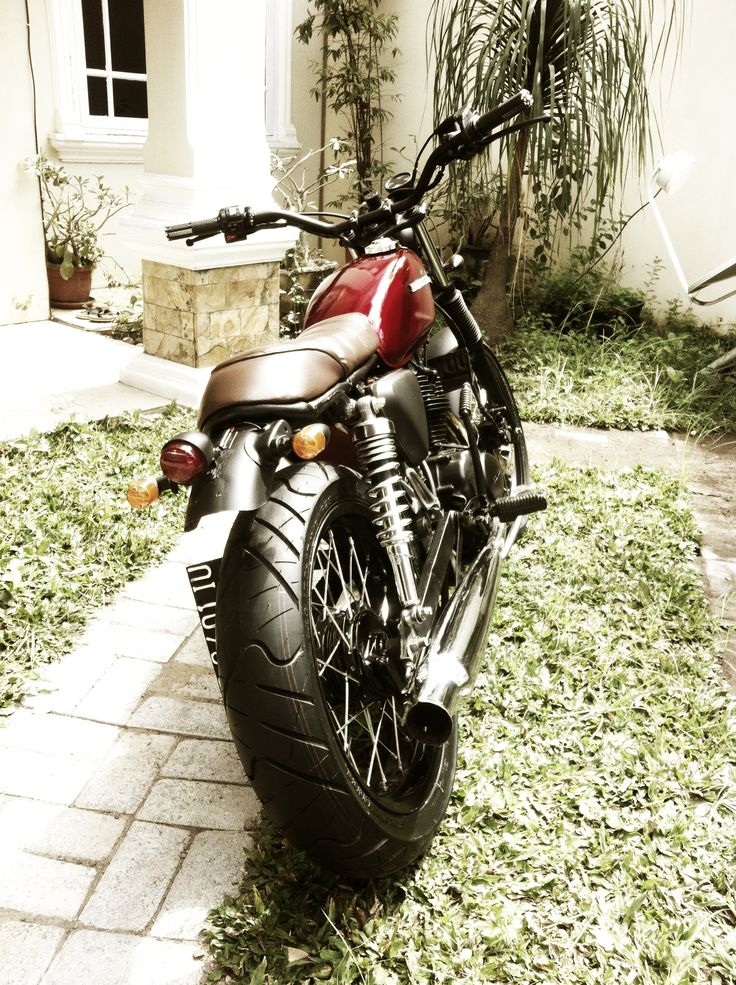Honda CB100 Brat Style #motorcycles #bratstyle #motos | caferacerpasion.com